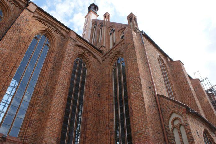 Den smukke Johanneskirke kommer du forbi når du går den afmærkede turistrute i Stettin, populært kaldet den røde rute